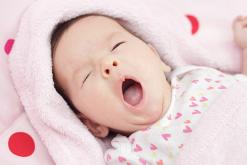 Dấu hiệu của bé buồn ngủ